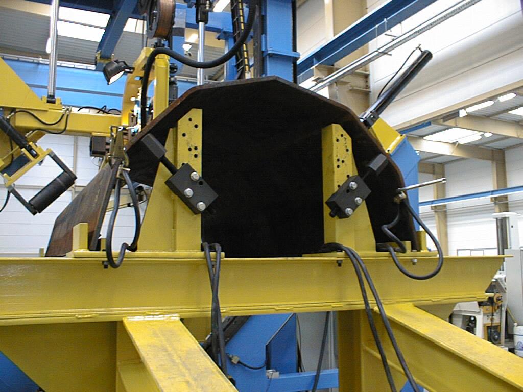 CMF钢杆焊接设备